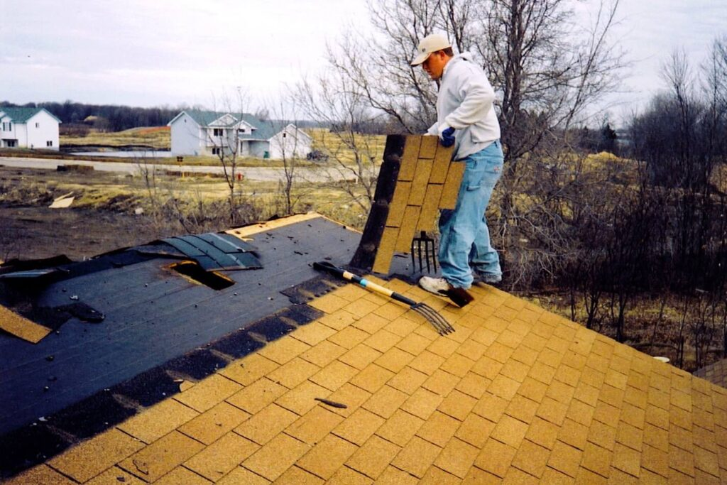 Contact-Quality Metal Roofing Crew of West Palm Beach