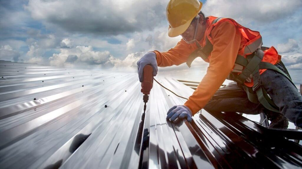 New Construction Metal Roofing-Quality Metal Roofing Crew of West Palm Beach