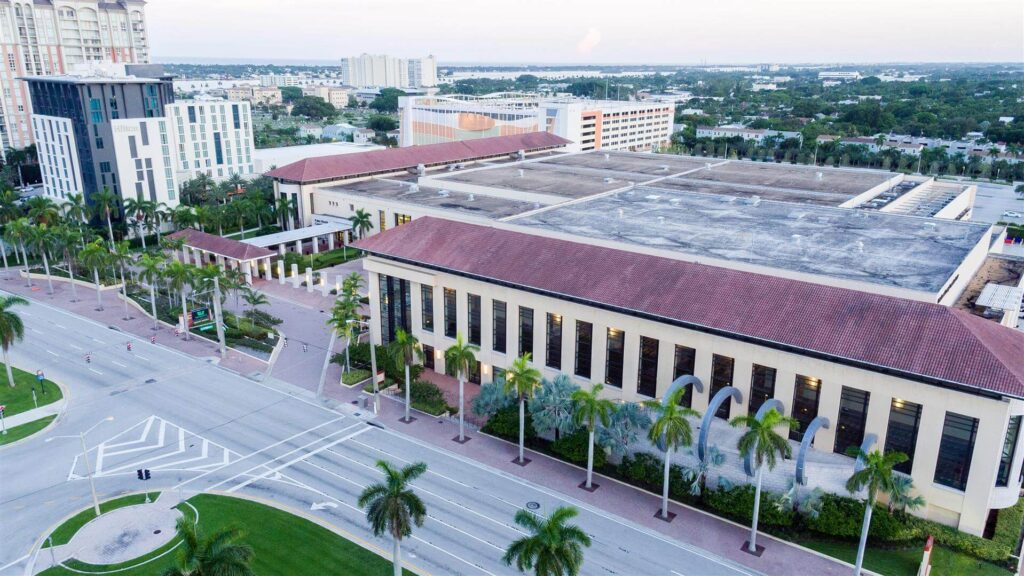 Palm Beach County FL-Quality Metal Roofing Crew of West Palm Beach